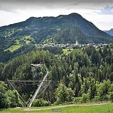 Β. Κρεμαστή γέφυρα Raich (Φωτογραφία Google)